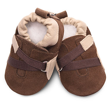 hurry on over now while you still have the best selection of toddler and baby shoes i found some adorable style such as these in their clearance section