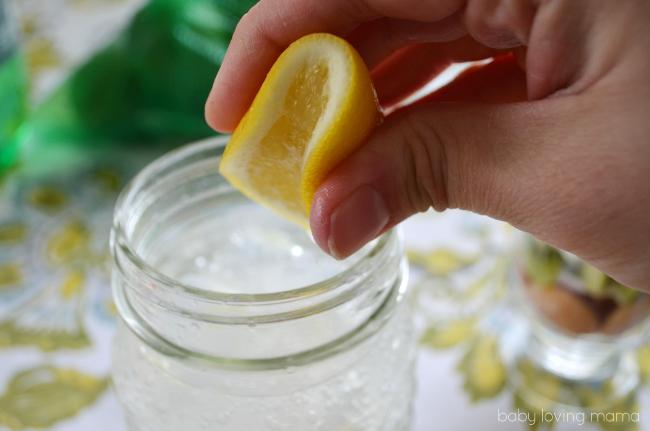 Squeezing Lemon into 7UP TEN 10 Calories