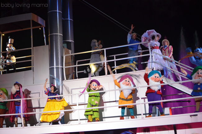 Fantasmic Walt Disney World Hollywood Studios Riverboat Snow White Seven Dwarfs Mary Poppins and Mickey Mouse