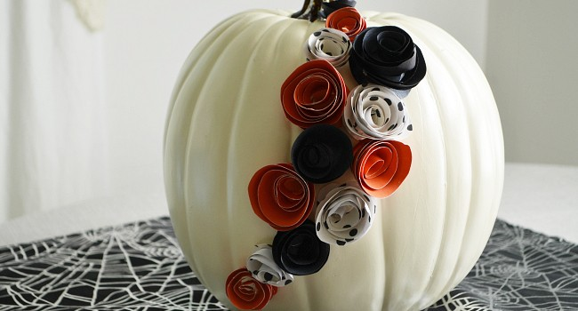 DIY White Pumpkin Decor with Paper Flowers for Halloween
