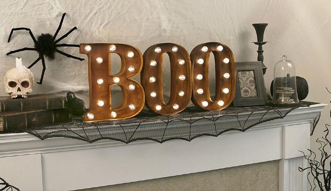 boo-mantle-scene-halloween