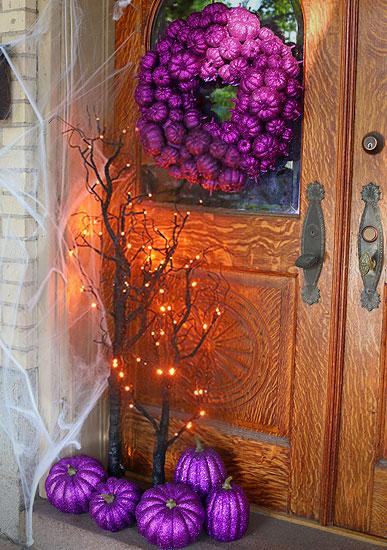 purple-pumpkin-entryway-halloween-scene