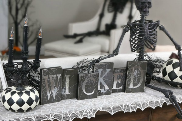 wicked-scene-halloween-skeleton