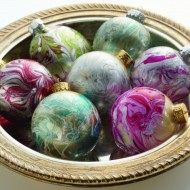 DIY Marbled Ornaments for Your Tree| Artful Christmas by Susan Wasinger