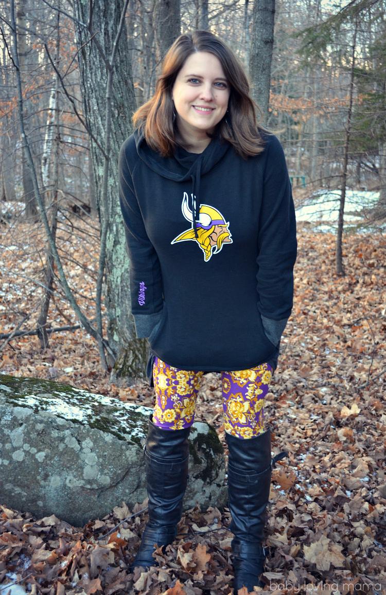 NFL Shop Womans Vikings Sweatshirt with Floral Leggings