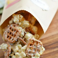 Easy Marshmallow Popcorn with DIY Spring Treat Bags