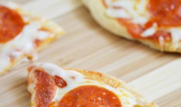 Quick and Easy Flatbread Pizza | Mini Chef Mondays
